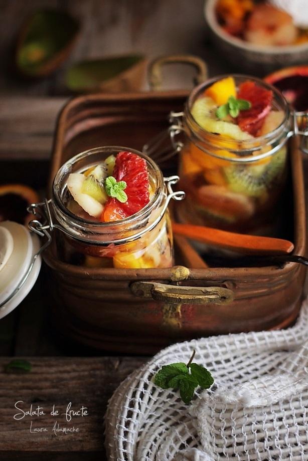 Salata de fructe detaliu