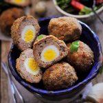 Chiftele umplute cu oua de prepelita