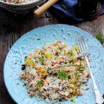 Salata de orez cu somon si ciuperci
