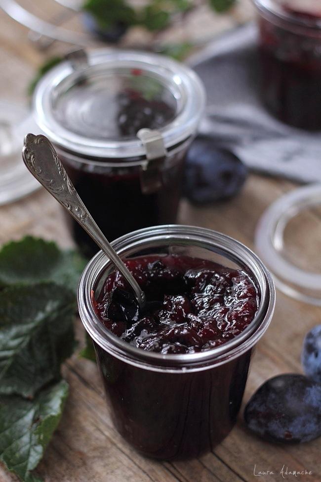Gem de prune borcan