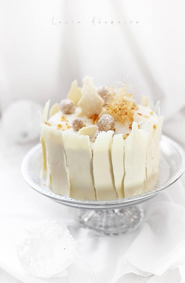 Tort de Craciun preparare detaliu final tort