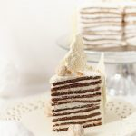 Tort de Craciun cu mousse de ciocolata alba