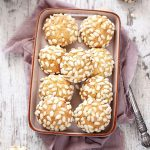 Biscuiti cu orez expandat si nuca de cocos