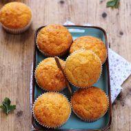 Muffins cu malai, porumb si cascaval