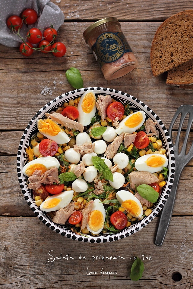 Salata de primavara cu ton detaliu