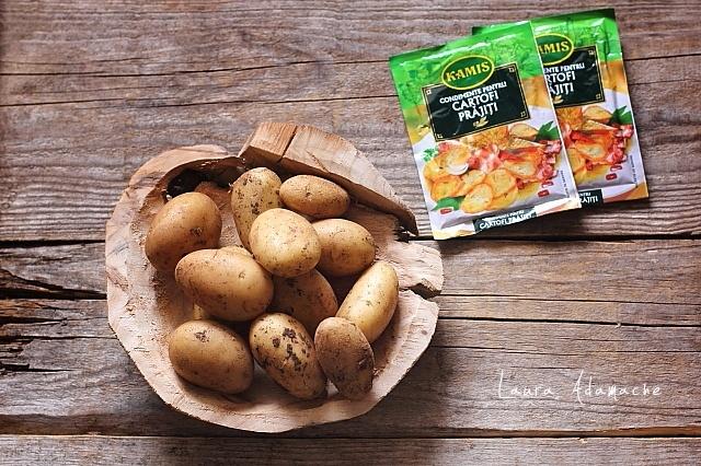 Coaste de porc la gratar cu frigarui de cartofi noi reteta