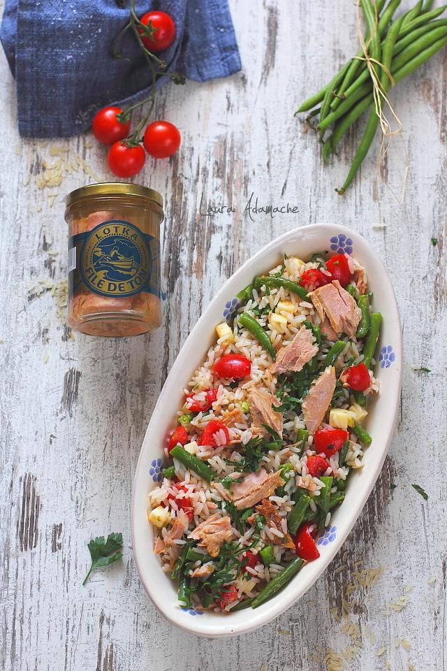 Salata de orez cu ton detaliu