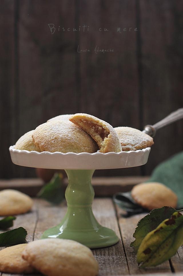 Biscuiti cu mere platou