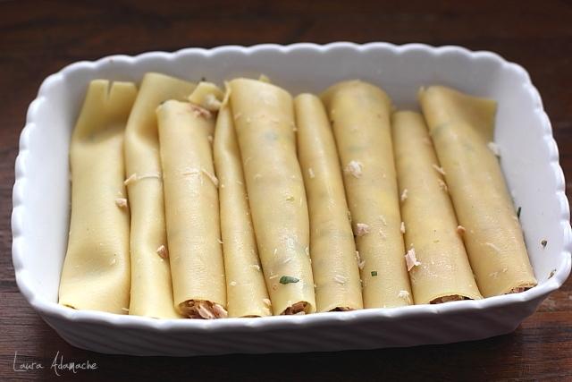 Cannelloni cu ton si mozzarella in forma