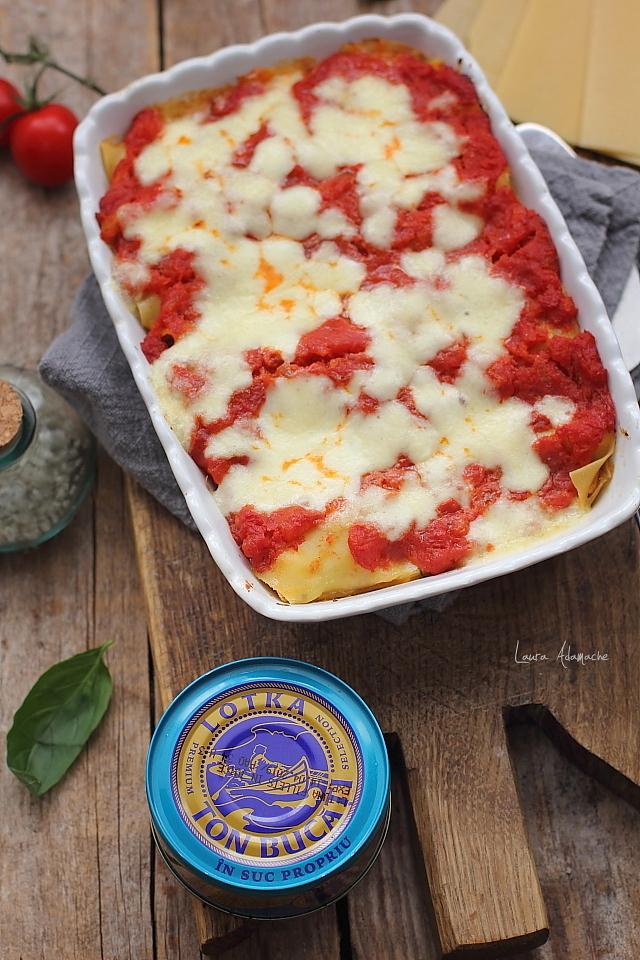 Cannelloni cu ton si mozzarella la cuptor