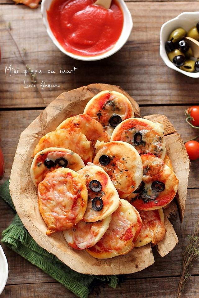 Mini pizza cu iaurt detaliu
