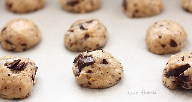 Biscuiti simpli de post cu ciocolata detaliu