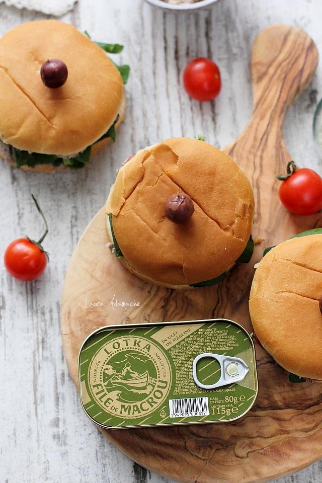 Detaliu pentru Sandvis cu spanac si crema de macrou