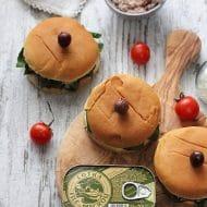 Sandvis cu spanac si crema de macrou