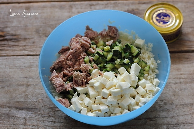 Condiment salata de orez
