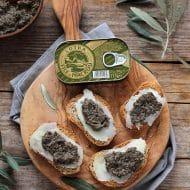 Pate de masline cu macrou (pasta tartinabila cu peste)