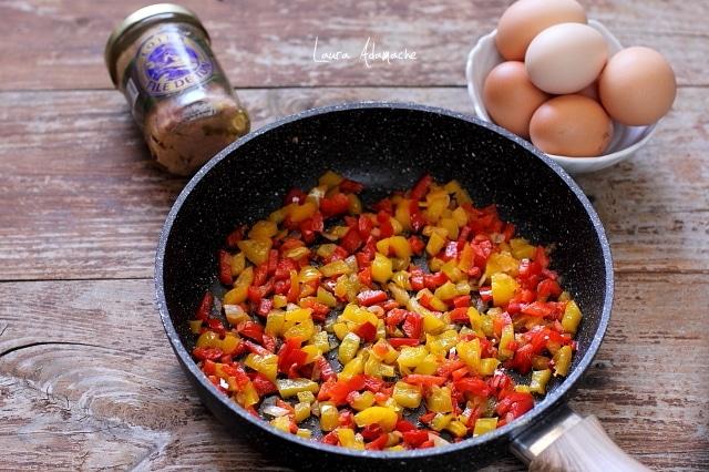 Ingrediente pentru omleta la tigaie