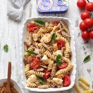 Salata de paste cu macrou si mozzarella