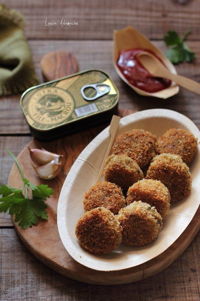 Chiftelute pufoase de cartofi cu macrou detaliu