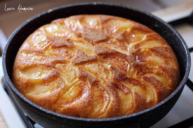prajitura cu mere coapta