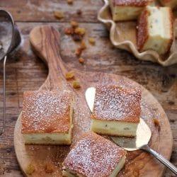 placinta-branza-dulce-turnata1