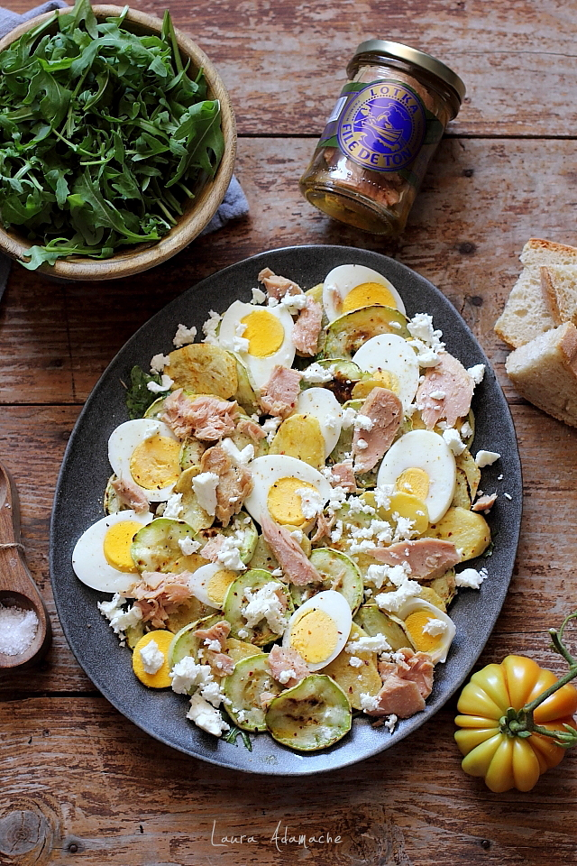 salata de ton cu dovlecei si feta detaliu