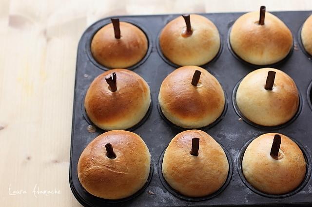 briose cu mere coapte