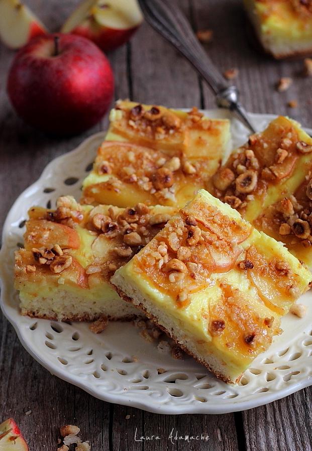 tarta pufoasa cu mere si vanilie cuburi