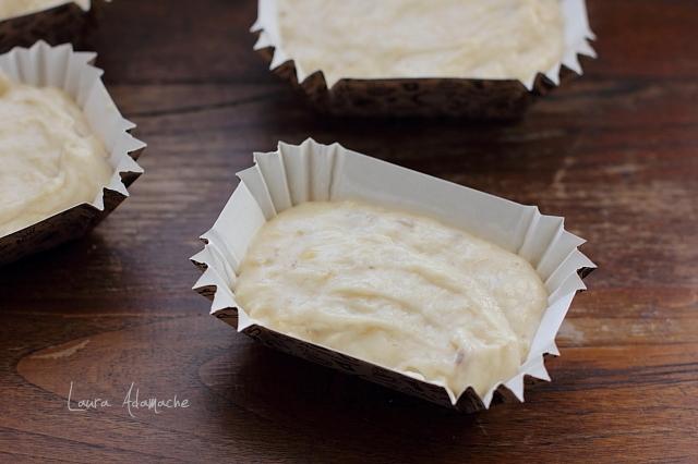 aluat muffins cu banane