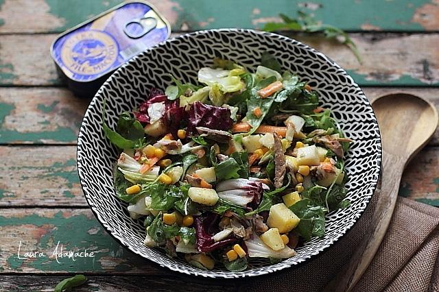 salata cu macrou detaliu final