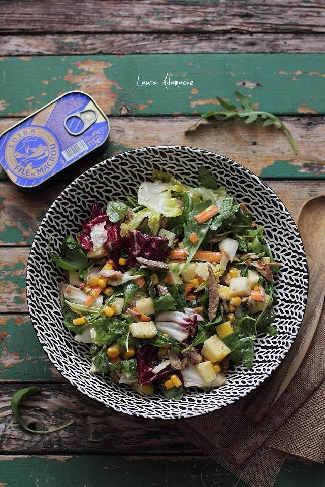 salata cu macrou, mere si mozzarella detaliu