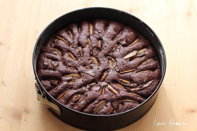 prajitura cu pere si ciocolata in forma